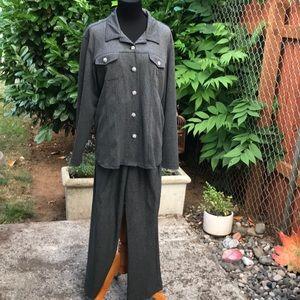 Chevron print dark grey pant suit